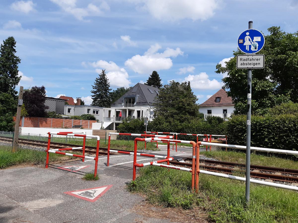 2021-07-14-02-17-17-4eUbergangzurGraaefenbergbahn.jpg - Atelier Haberbosch Nürnberg