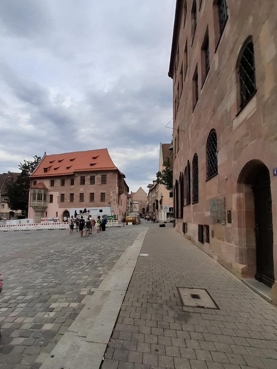 2021-04-22-10-47-42-5Sebalder_Platz.jpg - Atelier Haberbosch Nürnberg