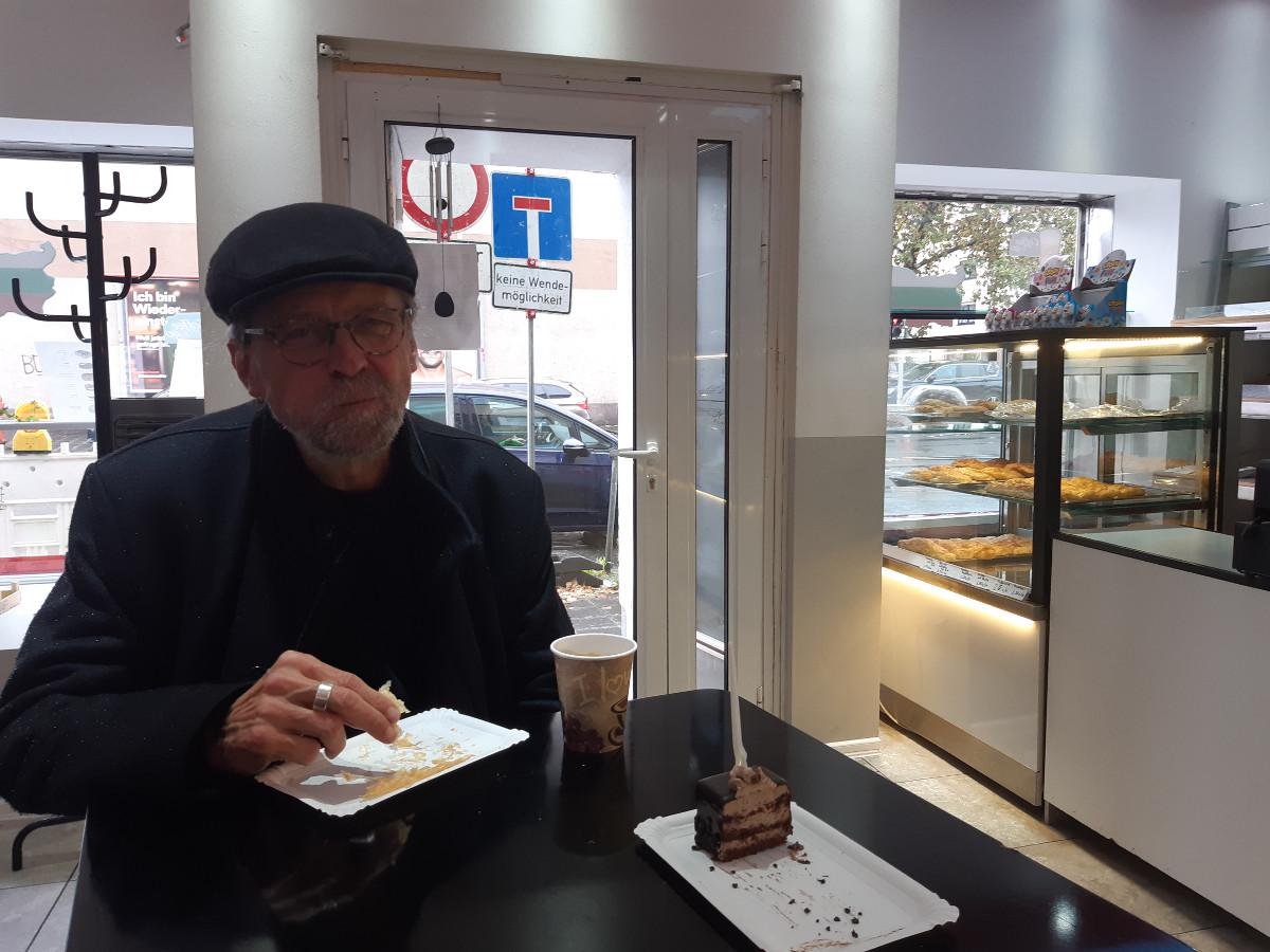 2021-04-30-11-10-02-4im_russischen_Cafe.jpg - Atelier Haberbosch Nürnberg