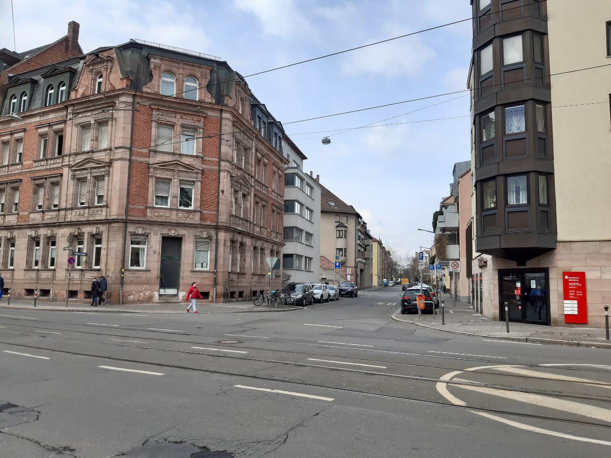 2021-04-30-03-21-23-3uueber_die_Sulzbacherstrasse.jpg - Atelier Haberbosch Nürnberg