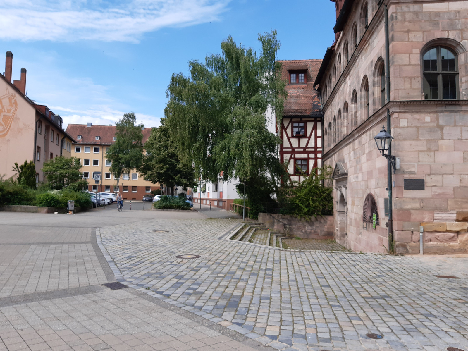 2021-09-07-03-50-16-5Herrenschiesshaus_AndrejSacharowplatz.jpg - Atelier Haberbosch Nürnberg