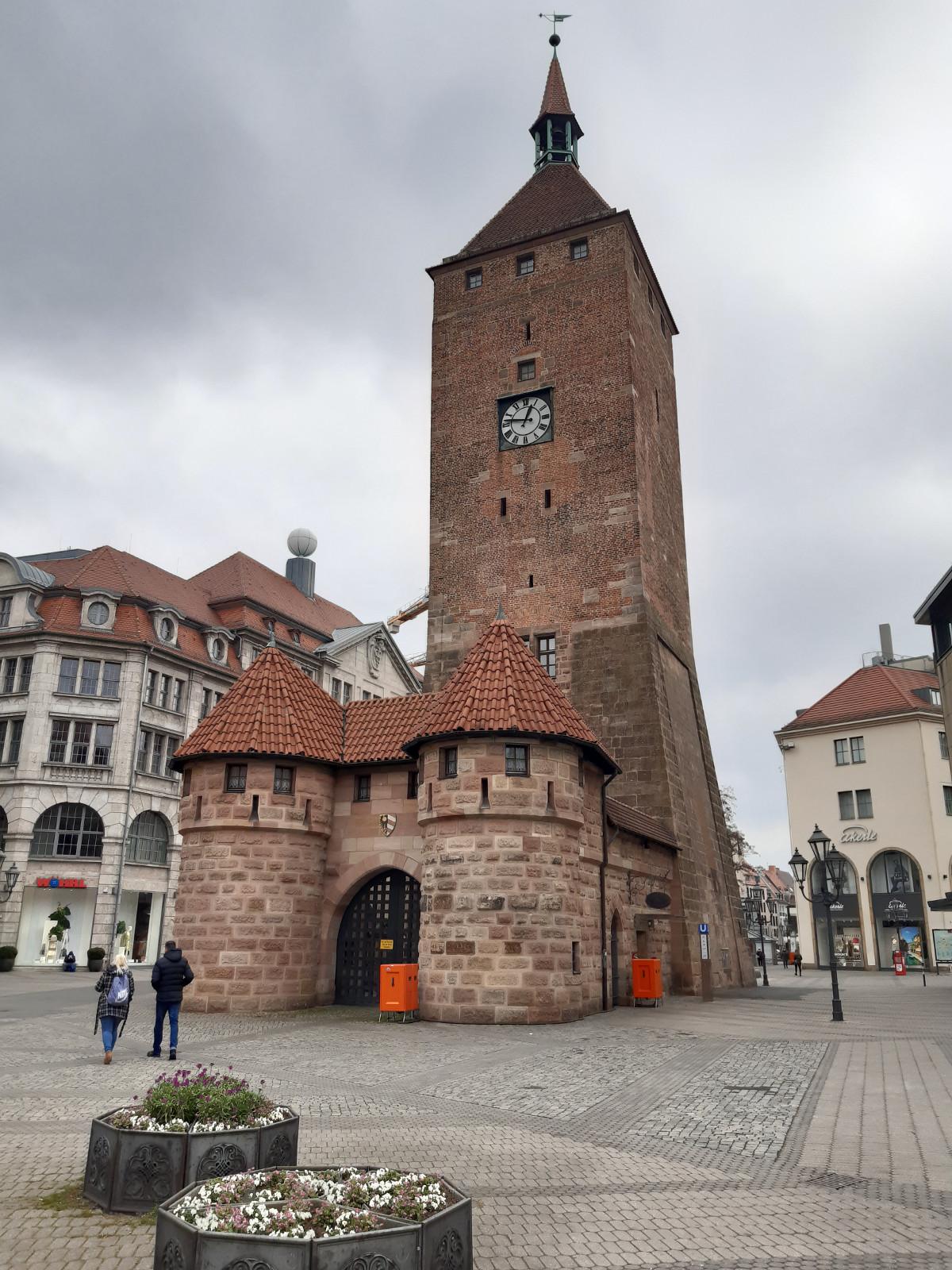 2021-05-01-03-50-00-10WeisserTurm.jpg - Atelier Haberbosch Nürnberg